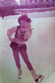 Faye skating