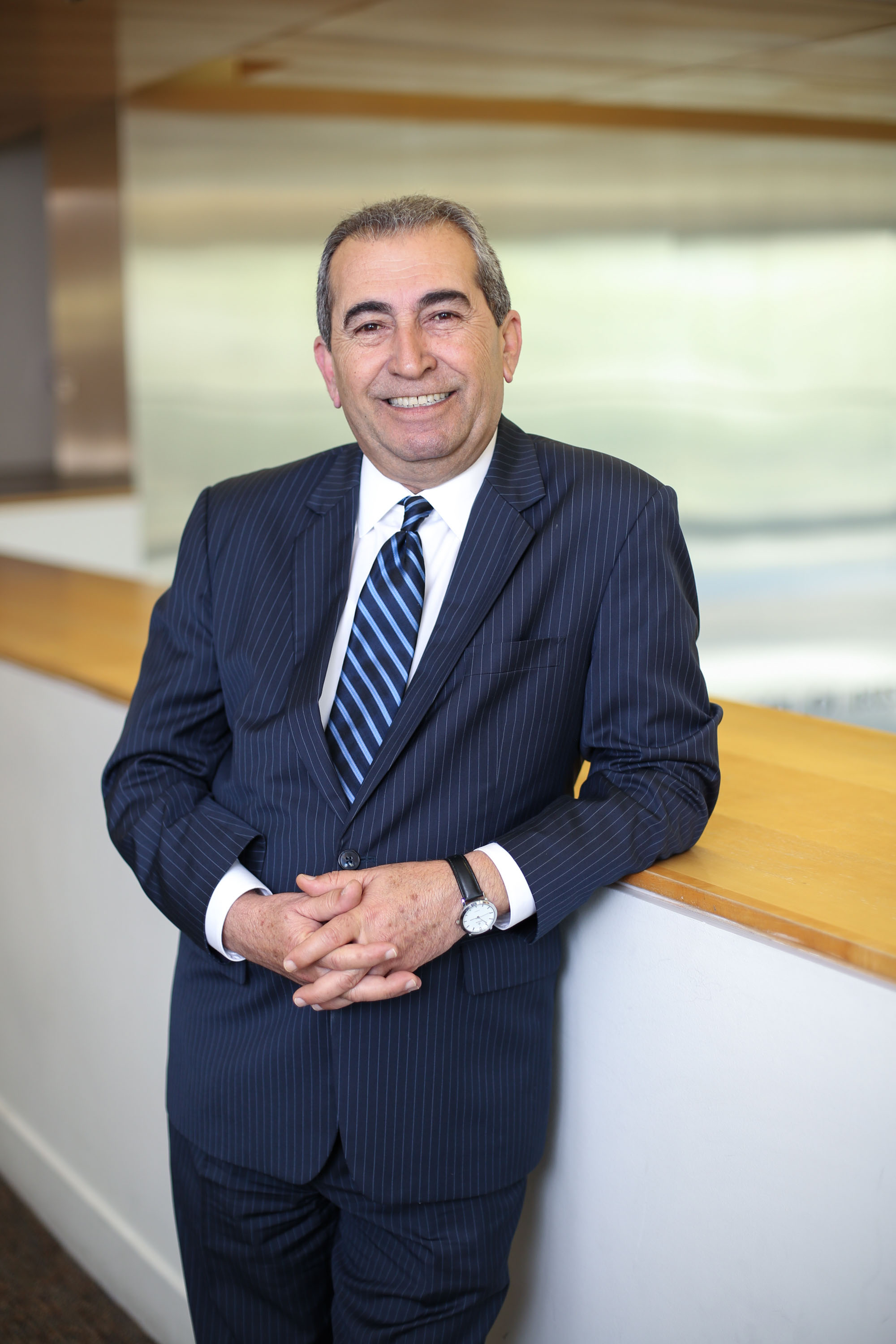 World-renowned Economist Dr. Esmael Adibi