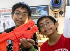 BROTHERS BUILD CUTTING-EDGE 3D PROSTHETIC HANDS