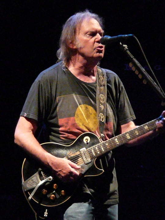 neil_young_in_nottingham_2009_k