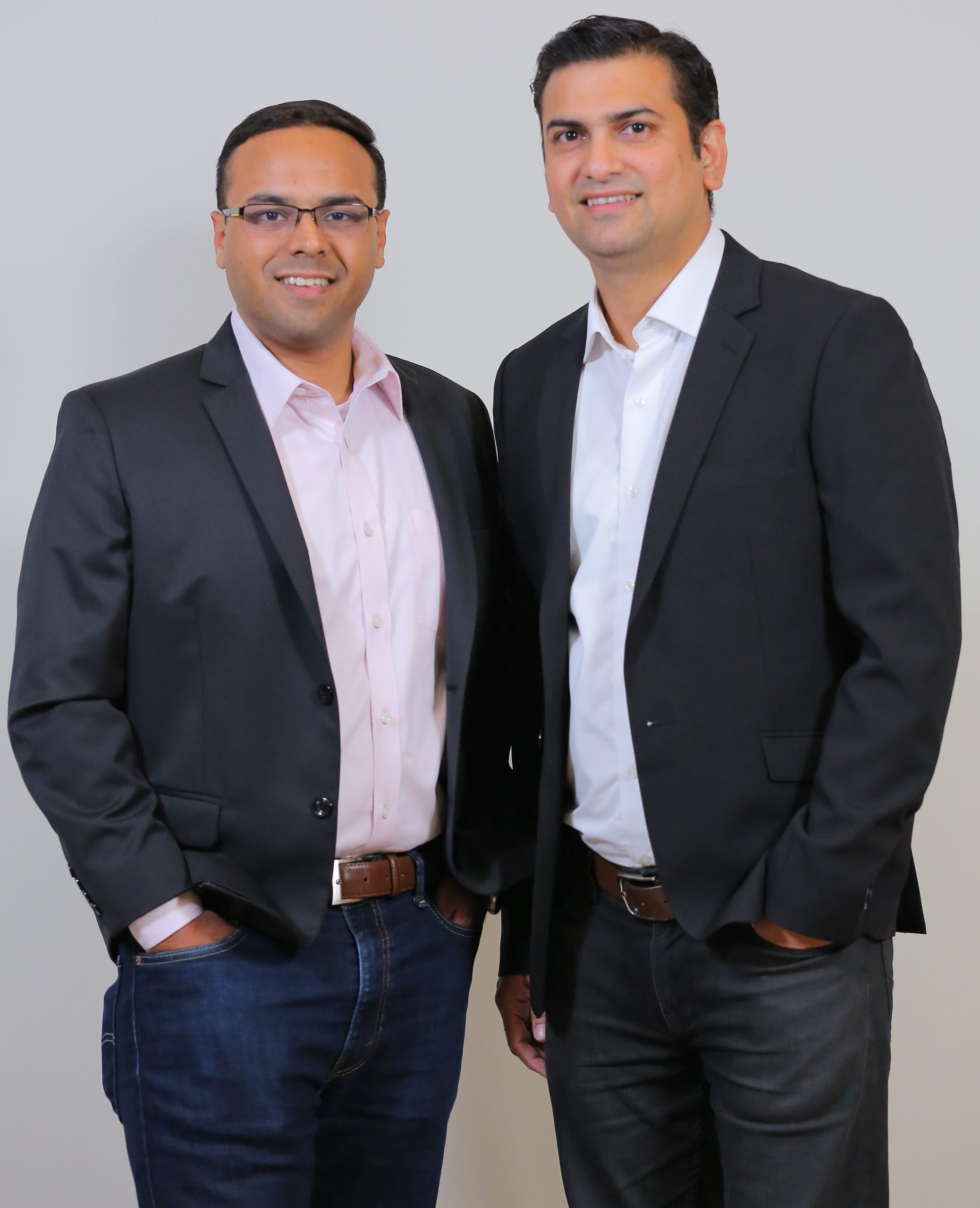Co-founders Umesh Sachdev (left) and Ravi Saraogi.