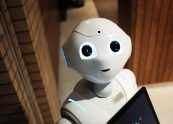 robot - How Identity Theft Happens