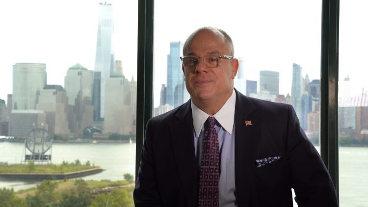 Douglas Pic NYC Background - Business Profile: Douglas Muir, CEO, Family Business Fund / Alternative Investing