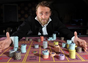Edinburgh Festival 2011. Tim FitzHigham, star of his one-man standup show 'The Gambler'. 23rd August 2011. Picture by JANE BARLOW
