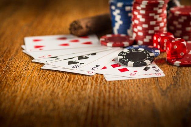 cigar-chips-gambling