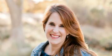 Nicole Kuklok-Waldman Headshot