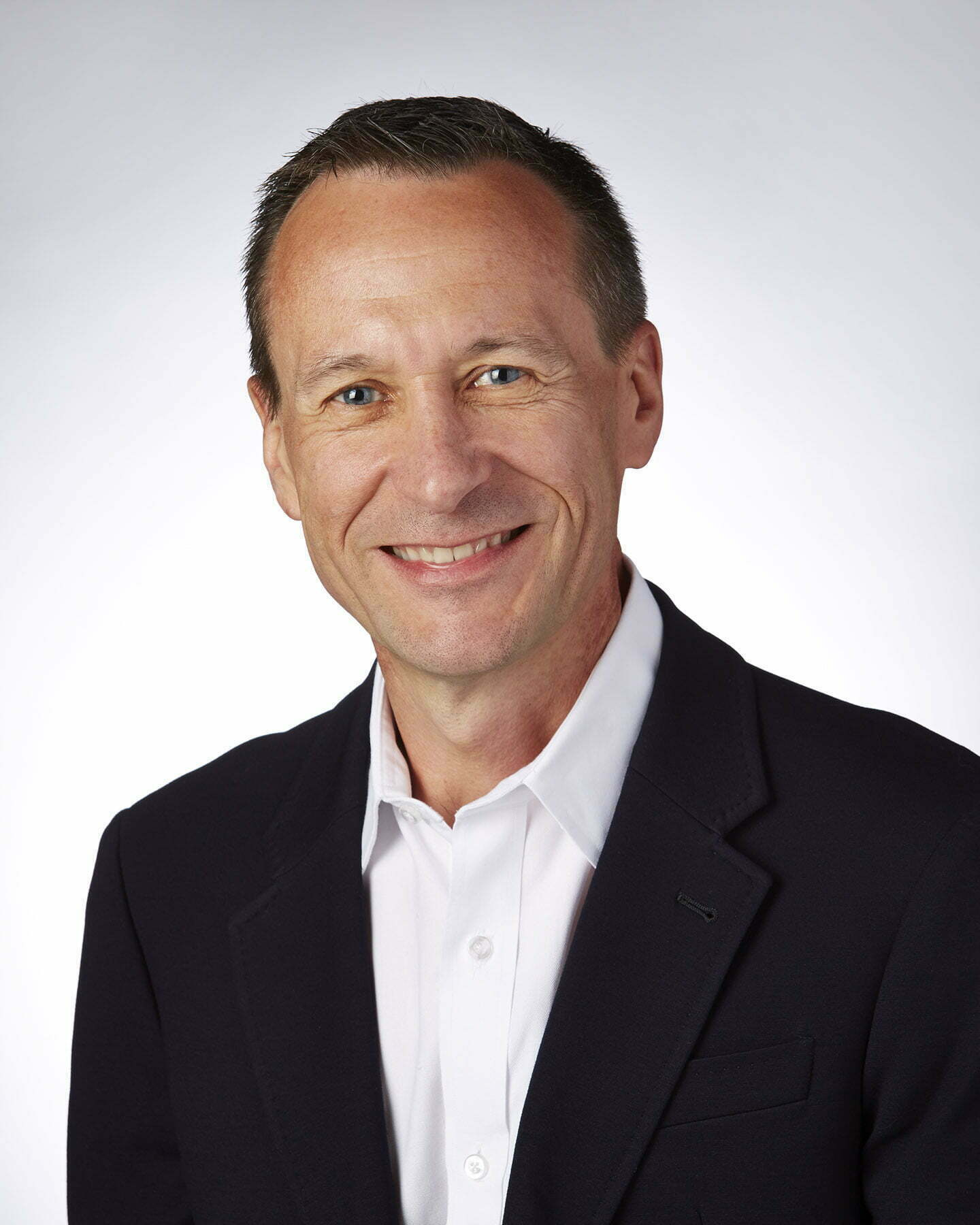 Michno Michel, CEO, Harris