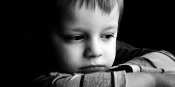 sad-child-portrait
