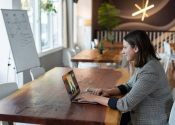 The pros and cons of hiring remote or virtual teams